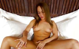 Hot naughty girlfriend fingering muff before cocksucking