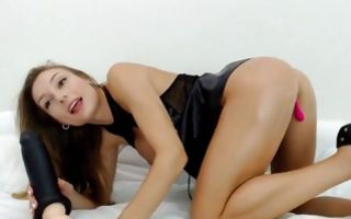 Teen babe fucking her anus with huge dildo