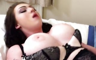 Adorable brunette girlfriend Harmony Reigns fucked in slit