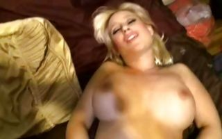 Hot milf Sammie Spades gets pussy fucked in doggystyle in amateur porn