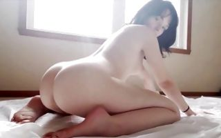 Raunchy brunette with a big ass gets fingered in homemade porn