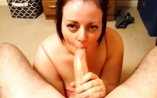 Amateur milf brunette whore sucks a huge ramrod of her bf
